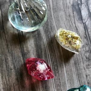 星と花の鉱石レジン
