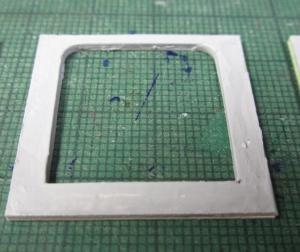 マニ32 荷物室開口部の工作1
