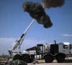 最新型 19式装輪自走155mmりゅう弾砲 自動装填装置など画像多め