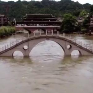中国南部長江域大洪水近況 更に日本の西之島大噴火まで