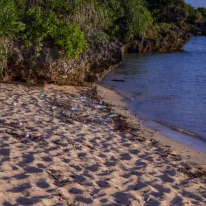 西表島上原港からアクセス抜群の日の出スポットまるまビーチ。