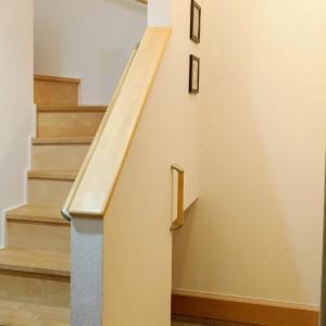 リビング階段とホール階段どちらがお好みですか
