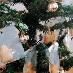ジンジャースパイスクッキーで作るクリスマスツリーのオーナメント