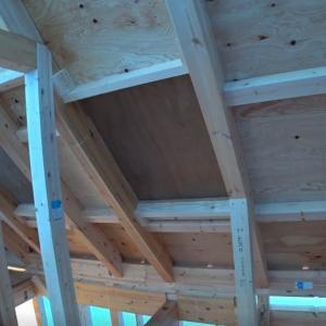 上棟後の天窓と3階から見下ろし風景