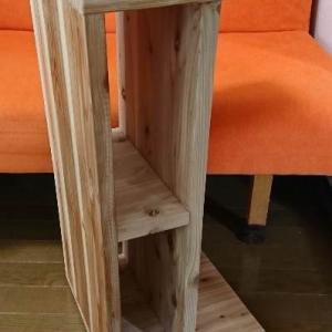 無垢杉のサイドテーブルで実験。オスモ(自然塗料)とtatara撥水セラミック(ガラス塗料)
