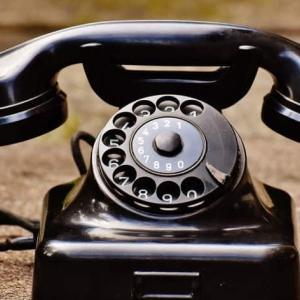 電話という不思議なシロモノ