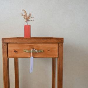 国産ひのきとクリアガラスのコンソールテーブル(真鍮取っ手)