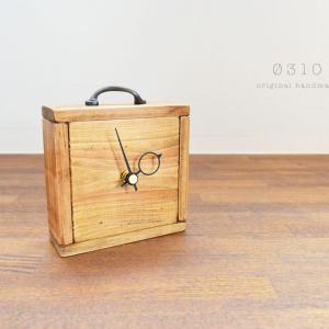 国産ひのきの置き時計(アンティーク色×ブロンズの取手)