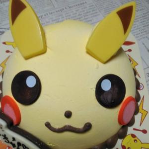卵アレルギーの娘ちゃんも一緒にお祝いできた ♯アイスクリームケーキ ♯ピカチュウ ♯ポッピングシャワー ♯31
