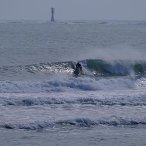 カリフォルニア オーダーサーフボード✖️FIRST TRIP Surfboards