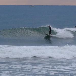 毎日 波ある 宮崎 某ビーチブレイク サーフィン