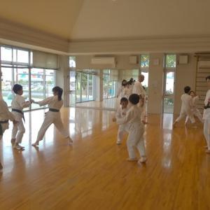 国際沖縄剛柔流空手連盟川之江空手同好会の方が稽古に参加されました
