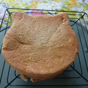 ねこねこ食パン焼いてみました。