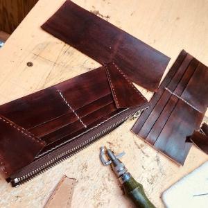 時間があるので長財布を作りはじめる!