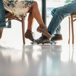 結婚願望はあるけど、お相手がいない。 34歳以下の男性の7割/女性は6割
