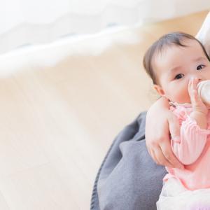 ママがコロナ感染しても、赤ちゃんにタッチできる (WHO)