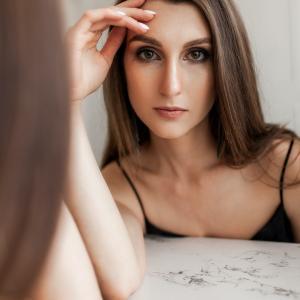 離婚後、婚活にのり出せない彼女の悩み。