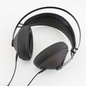 Meze Audio 99 Noir レビュー:見た目は上品なのに低音ゴリゴリ。聴くのが楽しくなるリスニング系ヘッドホン