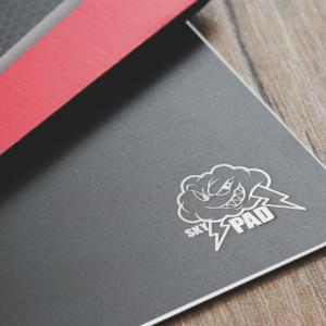 金属製マウスパッド SkyPAD Steel XL レビュー:サラサラで快適だけど…