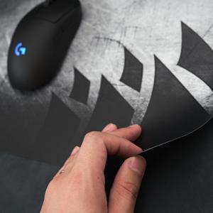 Corsair MM150レビュー:厚さ0.5mm!? 机との段差を感じない極薄ゲーミングマウスパッド