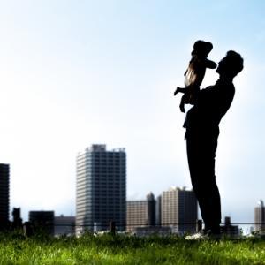 人気の《Konny》(コニー)の抱っこひも使用感レビュー。新生児でも安心?