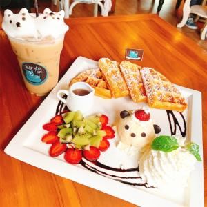 くまの3Dラテアートが楽しめる【Bear Hug Cafe】ターペー門近辺