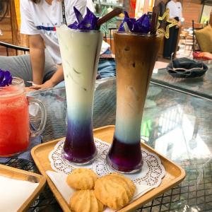 バタフライピーコーヒーを飲みたい!【BAAN BURI CAFE&BAR】旧市街中心