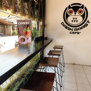 ほろ苦いコーヒードリンク【Dark Roast Cafe】チャンプアック門近辺