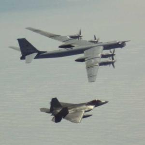 ☆ロシア爆撃機編隊アラスカ接近 ラプターがスクランブル
