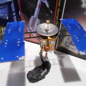 ☆宇宙探査機初代 はやぶさ アオシマ