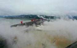 三峡ダム警戒水位10m超え 武漢被害甚大