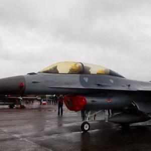 台湾空軍のF16戦闘機が墜落 原因は空間失調症か?