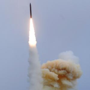着々と進む米国ミサイル網 迷走の陸上イージス代行案は一兆円まで膨らむか?
