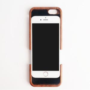 仲よしカップルにお勧めの木製iPhoneケース
