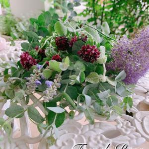 束ね直した紫陽花のブーケとお迎えしたバラ鉢♪