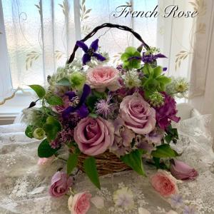 紫陽花とバラのアレンジメント&パールの寝姿