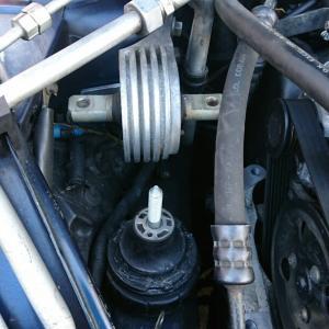 エンジンマウント交換 de 芋づるです。。