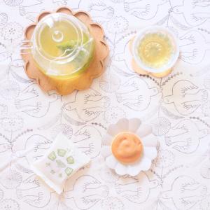 阿闍梨餅と本山茶
