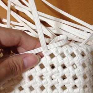 ねじれ、歪まない石畳編みの練習
