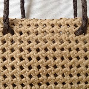 クラフトバンド(紙バンド)の石畳編み、その強度と魅力について