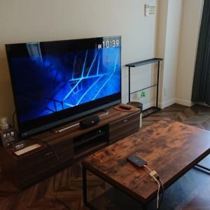 ホテルでiPhoneの画面をテレビに映して映画を見る方法