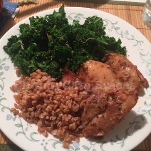 スパイスを使ったレシピ その1【鳥もも肉のクミンマリネードとマスタードシードとケールの温サラダ】