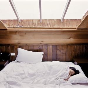 最近調子が悪いのは「睡眠不足」が原因かもよ?改善すればパフォーマンスレベルが向上するのか