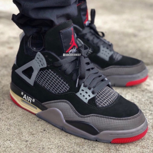 "【2020年 秋頃発売予定】Off-White × Nike Air Jordan 4 Retro SP ""Bred"""