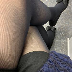 右脚と左脚どっち? 脚を組む癖