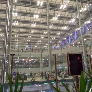 【ラオス観光】タイのスワンナプーム空港へ到着しました!