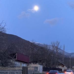 アゼルバイジャン語で月の名前は?