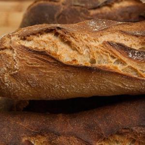 アゼルバイジャンの美味しいパン屋さん発見!