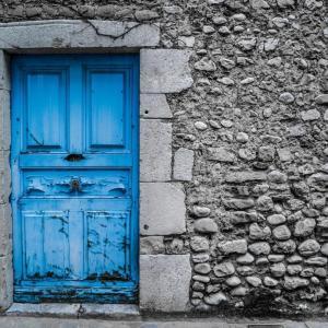 アゼルバイジャンの怪しいお店の入口を発見!