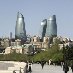 アゼルバイジャンの象徴!幻想的なライトアップをご紹介!